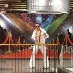 Elvis Hollywood