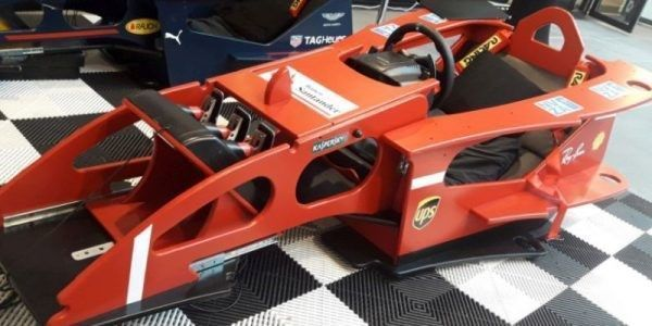 cockpit rood ferrari f1