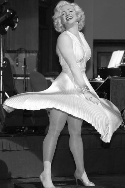 Marilyn Monroe tribute lookalike