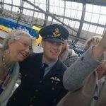 www.carsandstars.nl Queen Elisabeth selfie