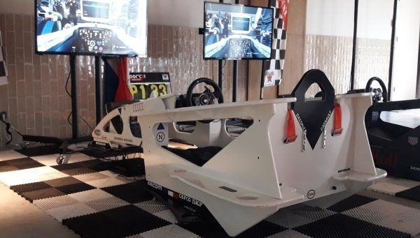 f1 cockpit race simulator