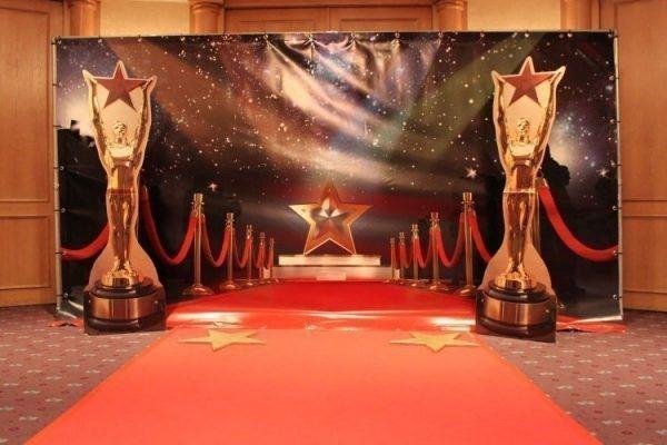 carsandstars decoratieverhuur hollywood on the red carpet banner incl. frame 4.00x2.20 mtr