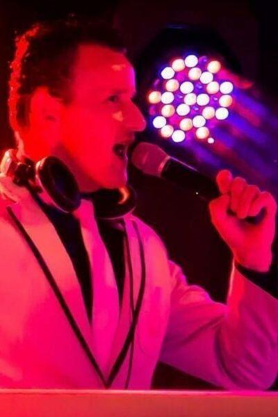 DJ Henk boeken evenement oktoberfest