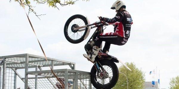 Motor Stuntshow trial