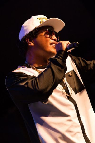Bruno Mars tribute show lookalike