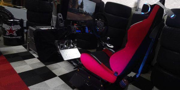 op de beurs een full motion race simulator huren